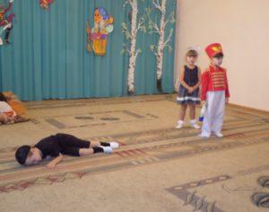 Муха-цокотуха сценарий. Музыкально-театрализованная деятельность (для детей средней группы детского сада).